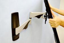 お手元のテレビが壁掛け出来るかどうか?金具とテレビの適合判断方法!