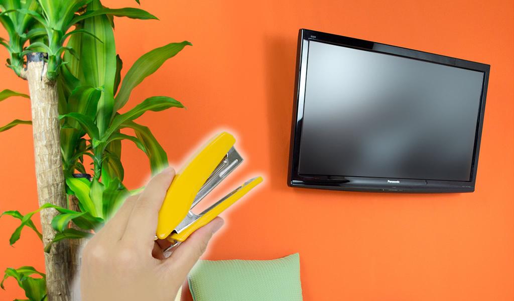 ホチキスで壁掛け!超画期的なテレビ金具 TVセッター壁美人